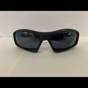Oakley sunglasses style 8763